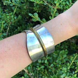 Trendy sterling silver bangle